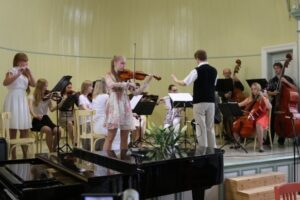 Kooli kevadkontsert Haapsalu Kuursaalis